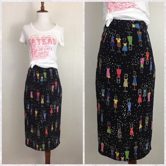 7dec9430e Vintage 80's-90's Dress Form Midi Pencil Skirt. M_5b6a2218f4145201f6a88e61